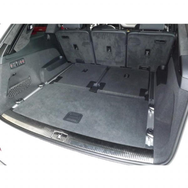 Audi Q7 / SQ7 (4M; 2015 Onwards) Moulded Boot Mat image 2