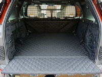 Landrover Discovery 5 (2017 - Onwards) (with dog guard) Quilted Waterproof Boot Liner